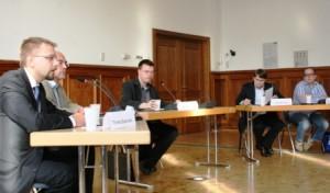 Höhepunkt der Veranstaltung bildete die Podiumsdiskussion am späten Nachmittag, die von hochkarätigen Experten bestritten wurde.