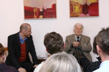 Tomasz Horyd im Gespräch mit Alfred Schreyer (v.l.)